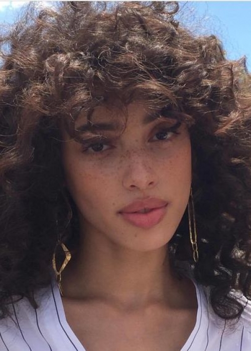 17-Frange-cheveux-bouclés-3B-Bang-Curlys-Bloom-Synthia-Kinsa