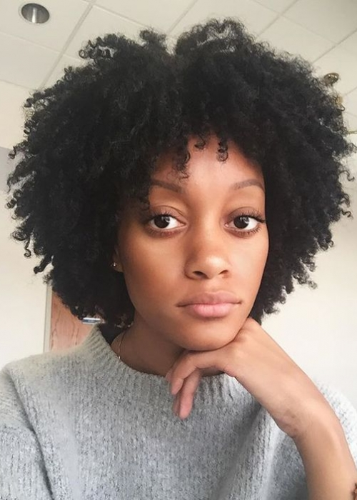 24-Frange-cheveux-bouclés-4B-Bang-Curlys-Bloom-Synthia-Kinsa