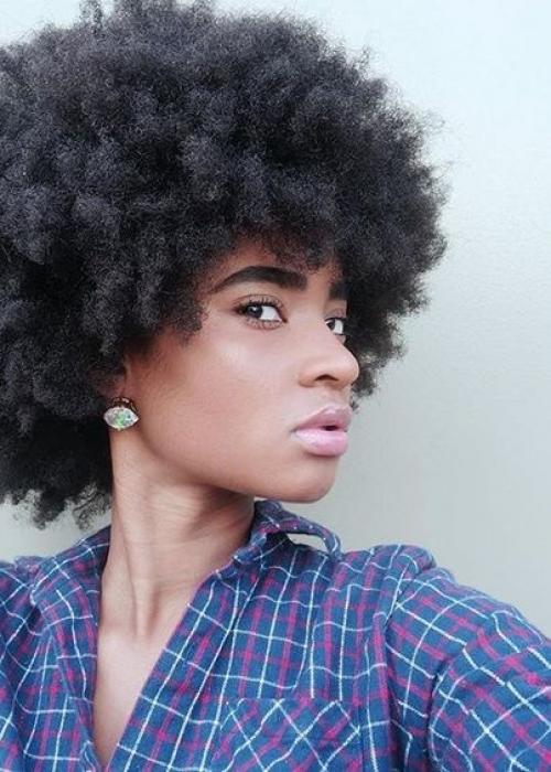 28-Frange-cheveux-bouclés-4C-Bang-Curlys-Bloom-Synthia-Kinsa