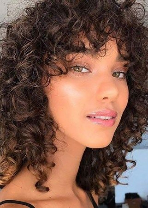 6-Frange-cheveux-bouclés-2C-Bang-Curlys-Bloom-Synthia-Kinsa